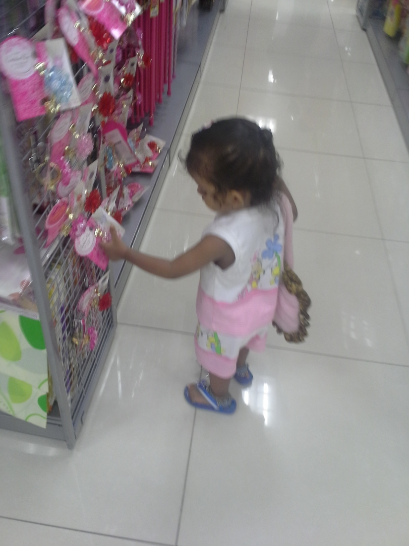 shopping started in singapore